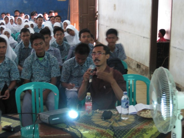 Seminar SMK Lemahsugih - M Reza Faisal